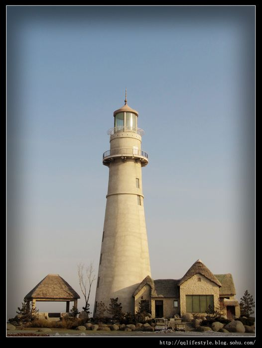 这个灯塔就是悦海公园的景观