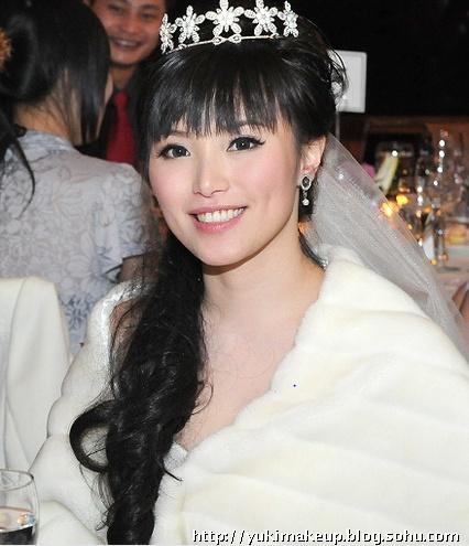 2016白纱新娘发型 欧式长发