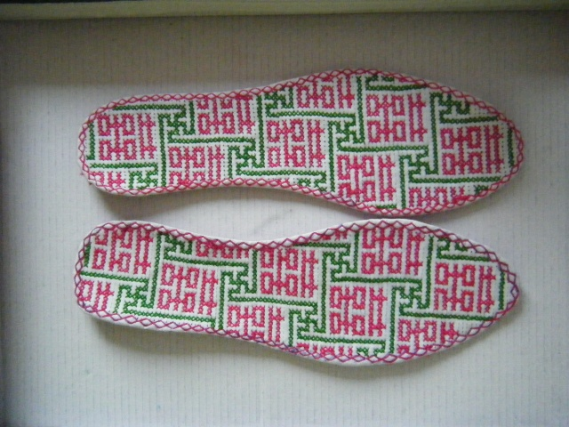 针织棉鞋花篮图案