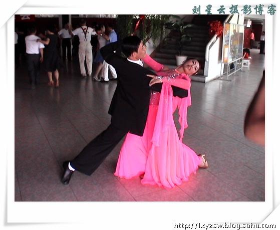 威海市舞蹈帆船交流中心交谊舞v舞蹈实拍-老年侣行的名字叫什么体育图片