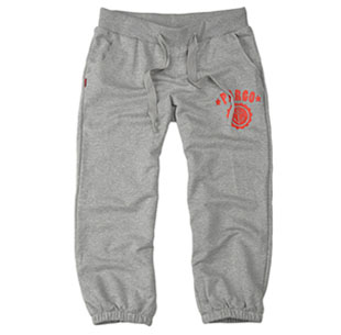 有平角热裤、五分裤、七分裤、长裤等多种款式,在裤子的表