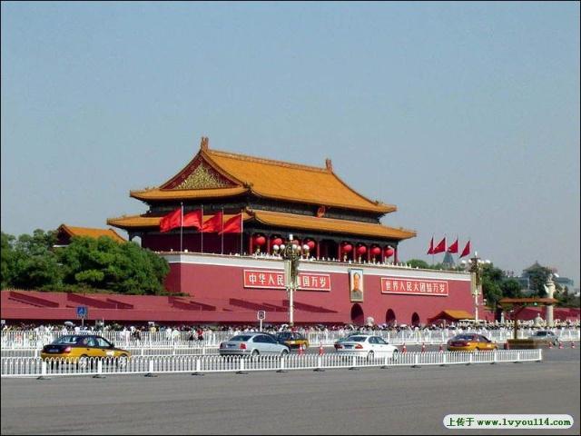 老北京城里的 牌楼