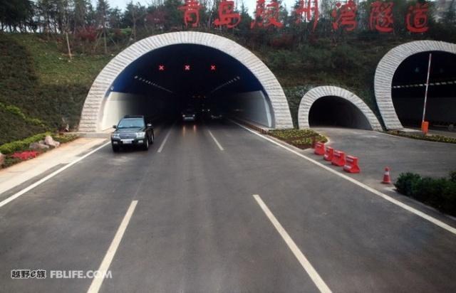 《青岛胶州湾大桥工程简介》《青岛海底隧道简介》